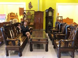 Bộ bàn ghế gỗ mun sọc Lào tay 12 kiểu triện sang trọng