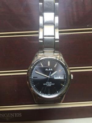 Đồng hồ Alba pin năng lượng