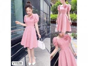 Đầm váy nữ xòe sọc hồng cổ xéo hoa