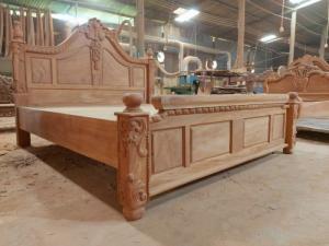 Giường ngủ hoàng gia sang trọng - gỗ gõ đỏ cao cấp tại quận 7