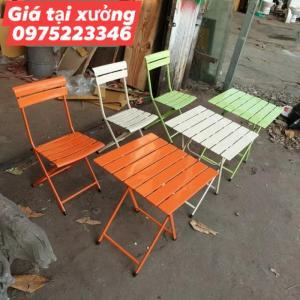 Bàn ghế sắt nhiều màu giá tại xưỡng