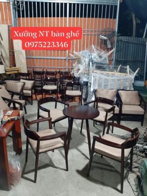 Bộ bàn ghế gỗ hugo giá tại xưỡng