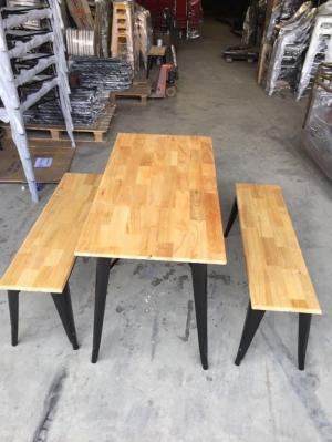 Bàn gỗ chân sắt giá bán tại xưởng