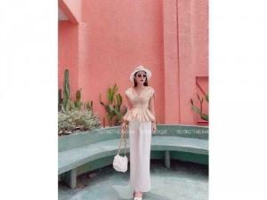 Set nữ áo nâu nhíu eo mix quần trắng rộg
