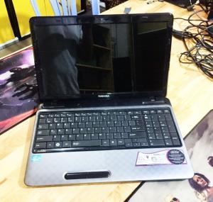 Laptop Toshiba Satellite L755 Core i5-2430M Ram 4GB HDD 640GB VGA ON