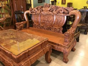 Bộ bàn ghế chạm nghê đỉnh cột 12 gỗ hương đá VIP