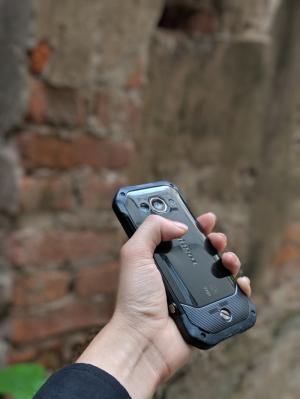 Điện thoại Kyocera Torque  G03 - Chắc tay , chống va đập rơi vỡ
