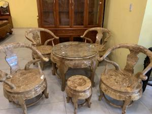 Bộ bàn ghế gỗ nu nghiếng quý hiếm kiểu móc thúng độc lạ