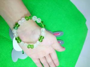 Chuỗi đeo tay đá mờ mix pha lê xanh