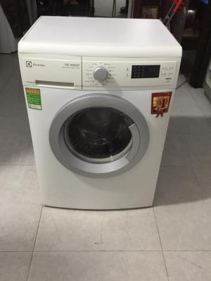 Thanh lý máy giặt có nước nóng đẹp như hình