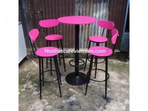 Bộ bàn ghế bar sắt màu hồng