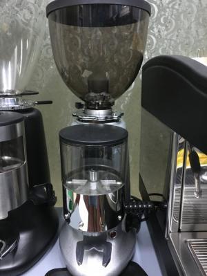 Thanh lý máy xay cà phê HC600