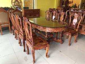 Bộ bàn ăn gỗ cẩm lai sơn ta đẳng cấp 8 ghế VIP tại quận 7