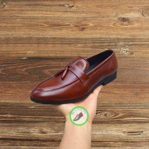 Giày nam chất liệu da bò cực bền và êm chân