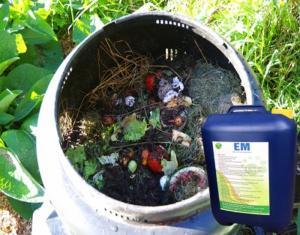 Chế phẩm EM trong xử lý rác thải