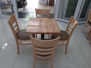 Bộ bàn ghế gõ cafe cabin