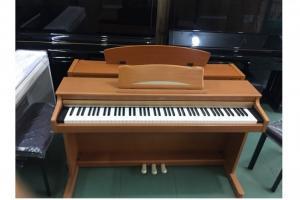 Piano điện korg c-330
