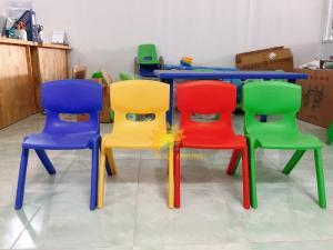 Ghế nhựa đúc nhập khẩu nhiều màu sắc, bền chắc cho bé mầm non