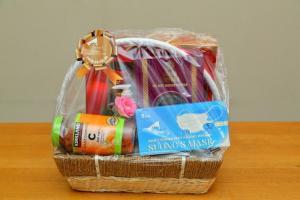 Quà tặng phụ nữ  Giỏ quà Sức Khỏe Suong's House