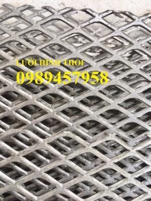2020-09-26 22:28:23  11  Lưới thép trang trí hàng rào, Lưới hình thoi, Lưới mắt cáo 20x40, 30x60 x 3ly 18,000