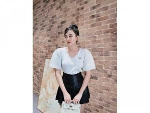 Áo len nữ Quảng Châu cổ V tay phồng SC