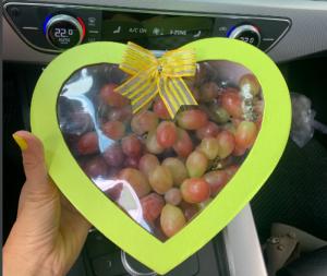 Hộp quà trái cây Nho hình trái tim
