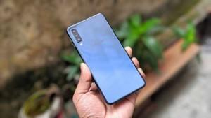 Samsung Galaxy A7 2018 : Màn hình sắc nét - Giá ưu đãi