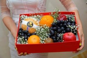 Hộp quà trái cây thăm hỏi chúc mừng