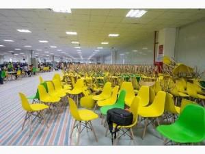 Ghế nhựa chân gổ làm tại xưởng sản xuất