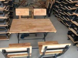 Bàn ghế gổ xếp quán nhậu chân sắc sơn tĩ