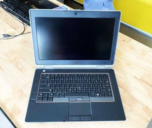 Laptop Dell Latitude E6420 Core i7-2640M Ram 8GB SSD 128GB + HDD 500GB VGA ON Màn 14 Inch Máy Đẹp