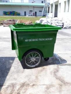 Xe rác đẩy tay nhựa composite 660l 3 bánh hơi,xe rác đẩy tay 3 bánh