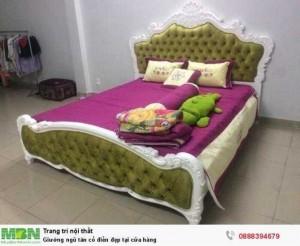 Giường ngủ tân cổ điển đẹp tại cửa hàng