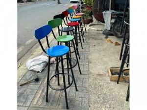 Ghế bar gỗ sơn màu