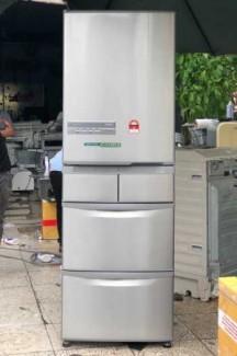 Tủ lạnh nội địa Hitachi R-S42BML 415 L đời 2012 ,công nghệ mới  #S42BMTtủ lạnh 5 cánh vừa đẹp trong lẫn ngoài mà còn tiết kiệm điện. Tủ còn mới >90% mặt trước không trầy xước, tiết kiệm điện 210kwh/năm 1 ngày chưa đến 1 số điện nha  Ngoài ra, khi mở cửa t
