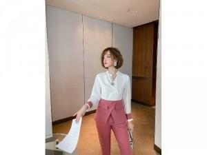 2020-11-29 10:17:10  5  Bộ đồ thời trang phiên bản Hàn Quốc SG 350,000