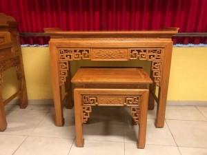 Bộ cặp bàn thờ và bàn cúng gõ đỏ triện hoa sen 1,53m SD1021