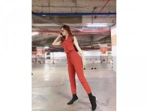 2020-11-29 14:19:34  4  Jumpsuit cao bồi cổ vest phong cách Châu 330,000