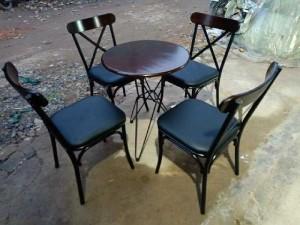 2020-11-29 19:50:52 Bàn ghế cafe sân vườn giá xưởng 1,750,000