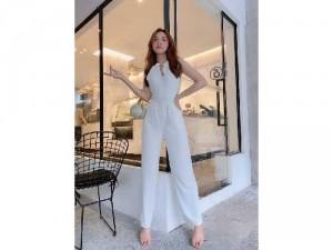 2020-11-30 12:15:12  2  Jumpsuit dài cổ yếm phong cách Hàn Quốc 330,000