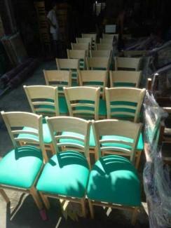 Ghế gỗ cafe Cabin nệm xanh GGVĐ022
