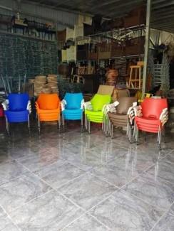 Ghế cafe nhựa đúc mẫu mới,đẹp,bền,giá bao tốt VĐ020