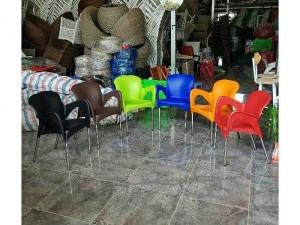 Ghế cafe nhựa đúc chân inox giá rẻ HTN01