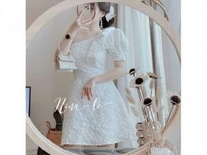 Đầm váy nữ trắng hoa nổi lệch vai nơ TKN