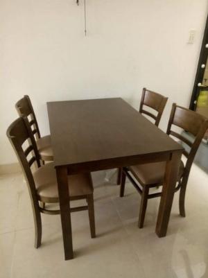 Bàn ghế gỗ phòng ăn giá rẻ HTT001