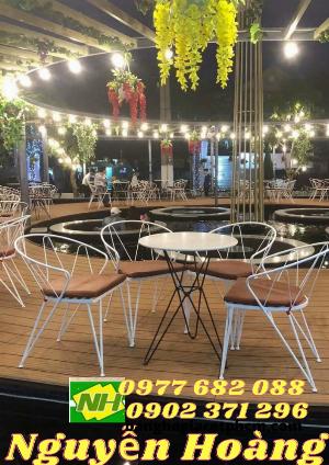 Ghế sắt nệm thái và bàn bộ 4 món Nội Thất Nguyễn Hoàng Sài Gòn