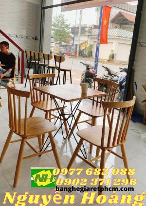 Ghế gỗ 4 cái bàn chân sắt mặt gỗ Nội Thất Nguyễn Hoàng Sài Gòn