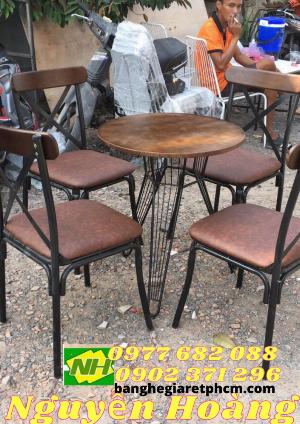 Ghế sắt chân sắt bàn sắt nguyên bộ 5 món Nội Thất Nguyễn Hoàng Sài Gòn