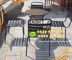 Ghế sắt, bàn sắt nguyên bộ 5 món Nội Thất Nguyễn Hoàng