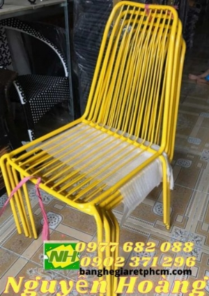 Ghế sắt sơn tĩnh điện ngoài trời màu vàng